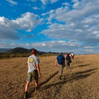 Wanderung zum Kratersee - Robert Wälter | erlebnisreisen-afrika.de